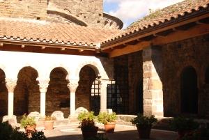 Claustre de Sant Pere de Casserres