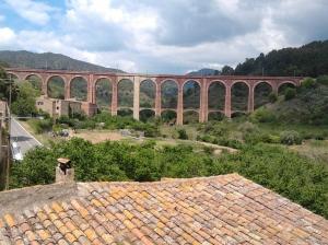 Pont ferrioviari de 14 arcades declarat  Patrimoni Industrial deCatalunya
